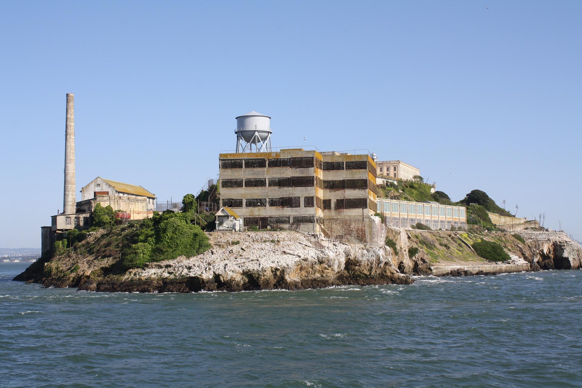 Alcatraz - pixabay free images - https://pixabay.com/en/alcatraz-island-prison-730994/
