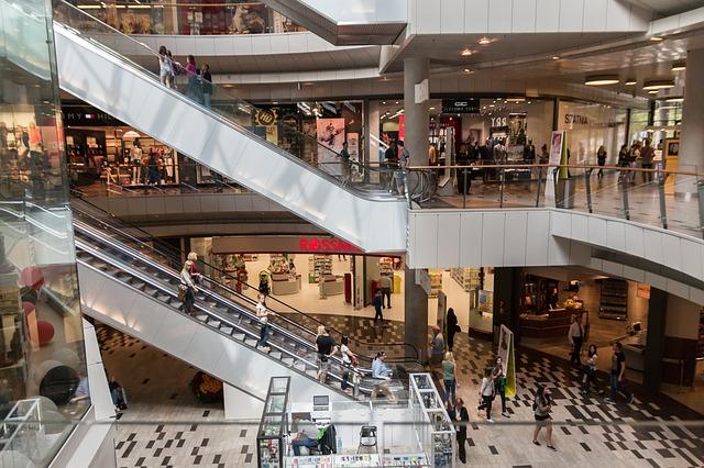 Shopping mall stairs via Pixabay.com