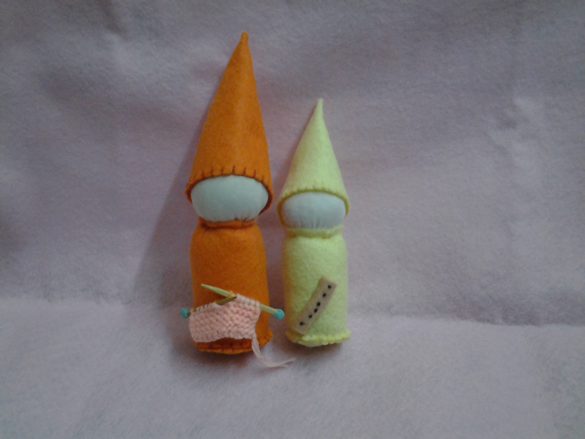 Knit gnome and flute gnome