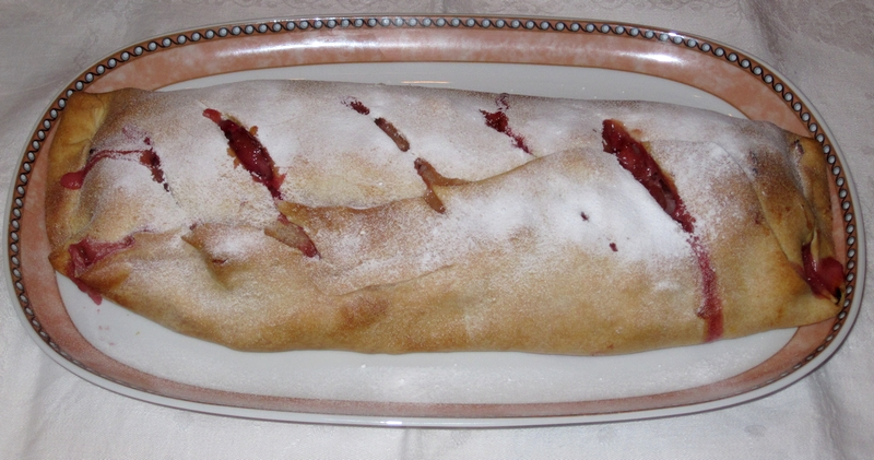 Rhubarb Strudel made by LadyDuck