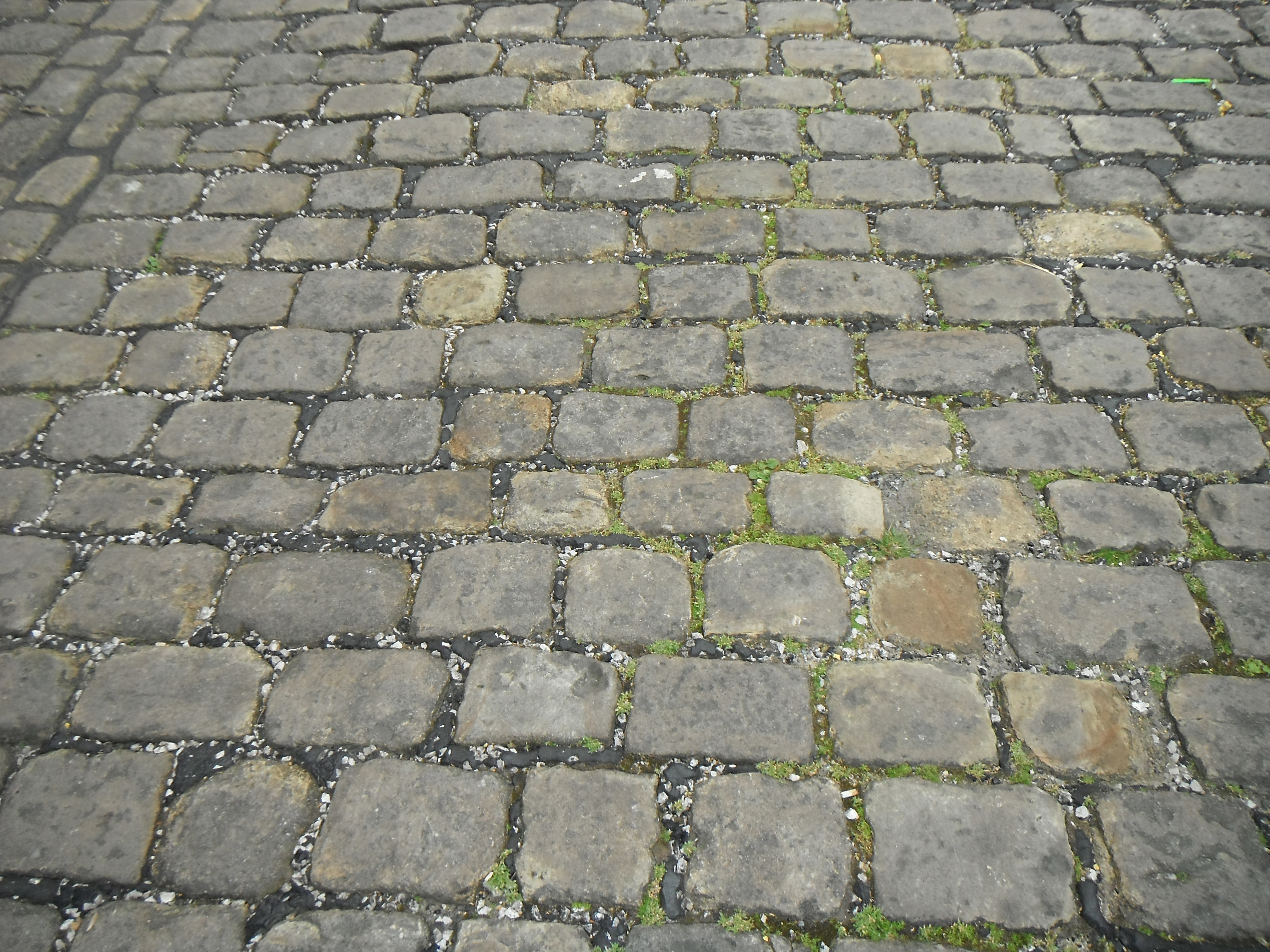 photo taken by me – A steep cobbled street in the village of Barnoldswick