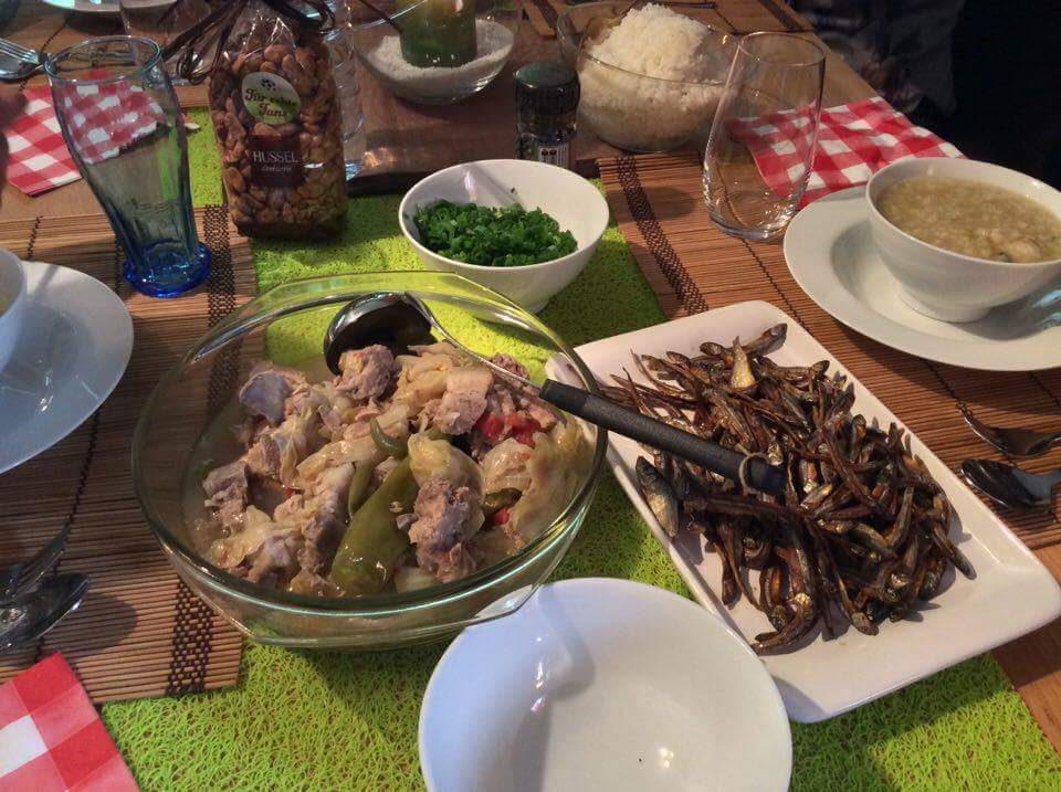Filipino expats lunch food by thelme55
