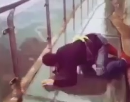 Chinese,tourist,bridge,fear, crawling