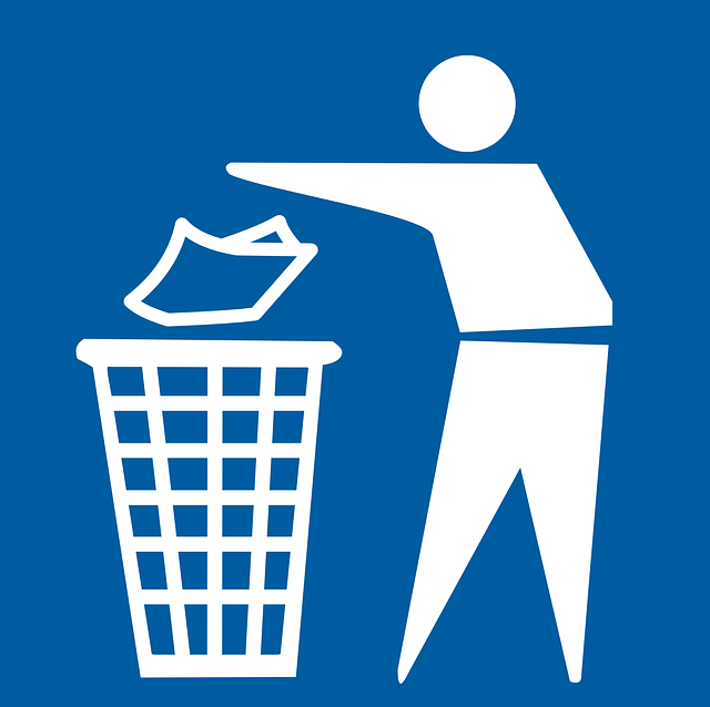 https://pixabay.com/en/garbage-litter-trashcan-dispose-42535/