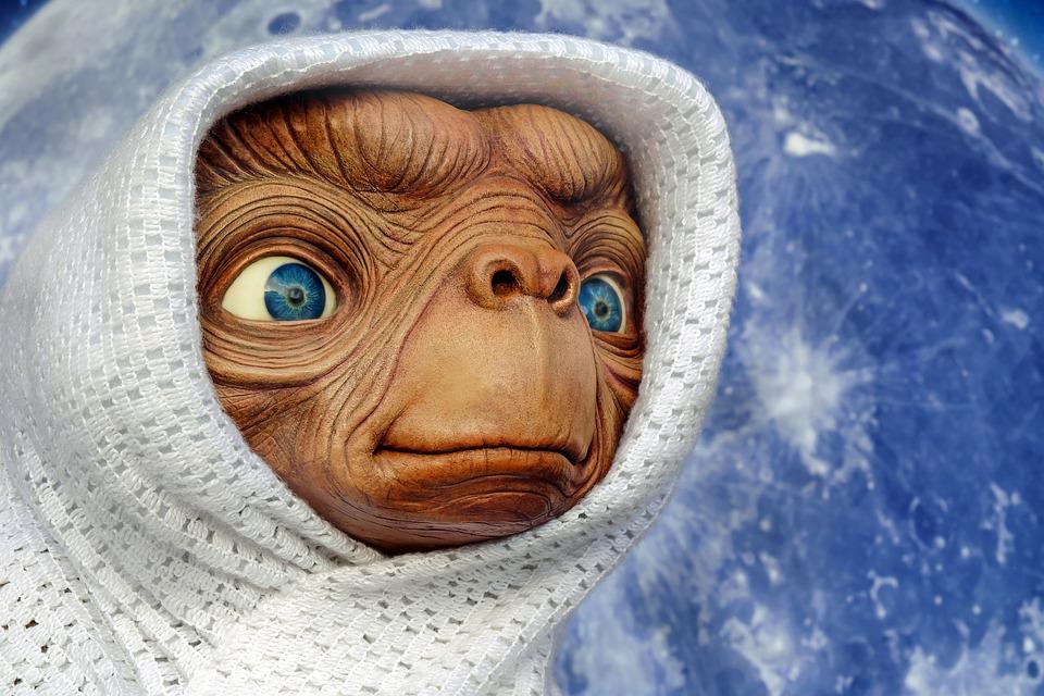https://pixabay.com/en/et-extraterrestrial-creature-figure-2006631/