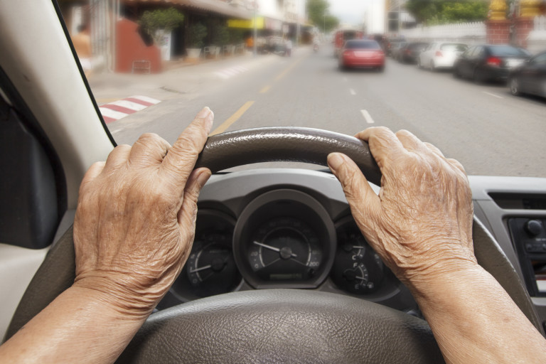 http://www.bettervisionguide.com/driving-age-related-macular-degeneration/