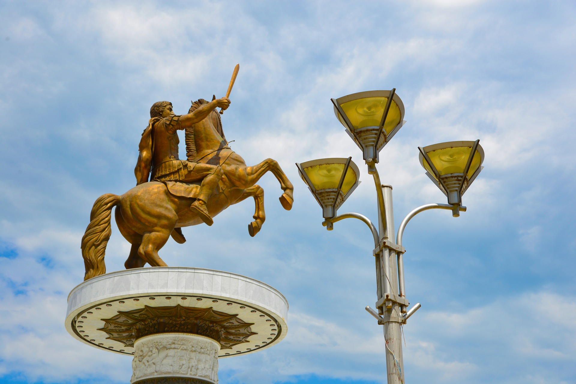Statue of Alexander the Great by  Pixabay