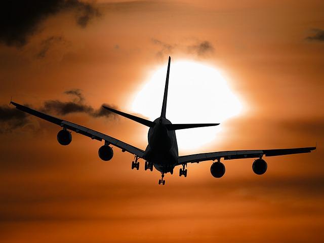 https://pixabay.com/en/aircraft-holiday-sun-tourism-1362587/