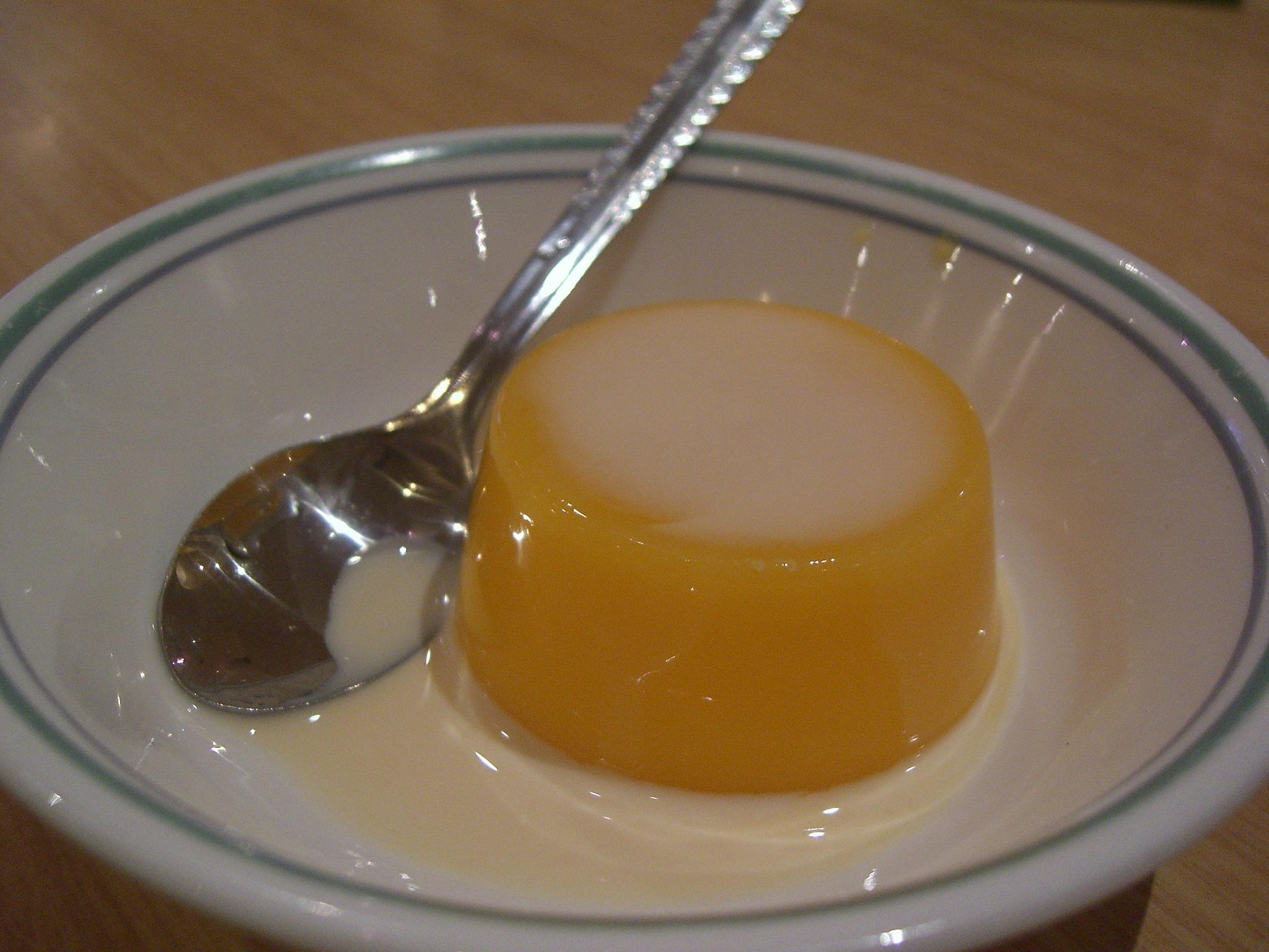 https://commons.wikimedia.org/wiki/File:Mango_pudding_by_avlxyz_in_Melbourne.jpg