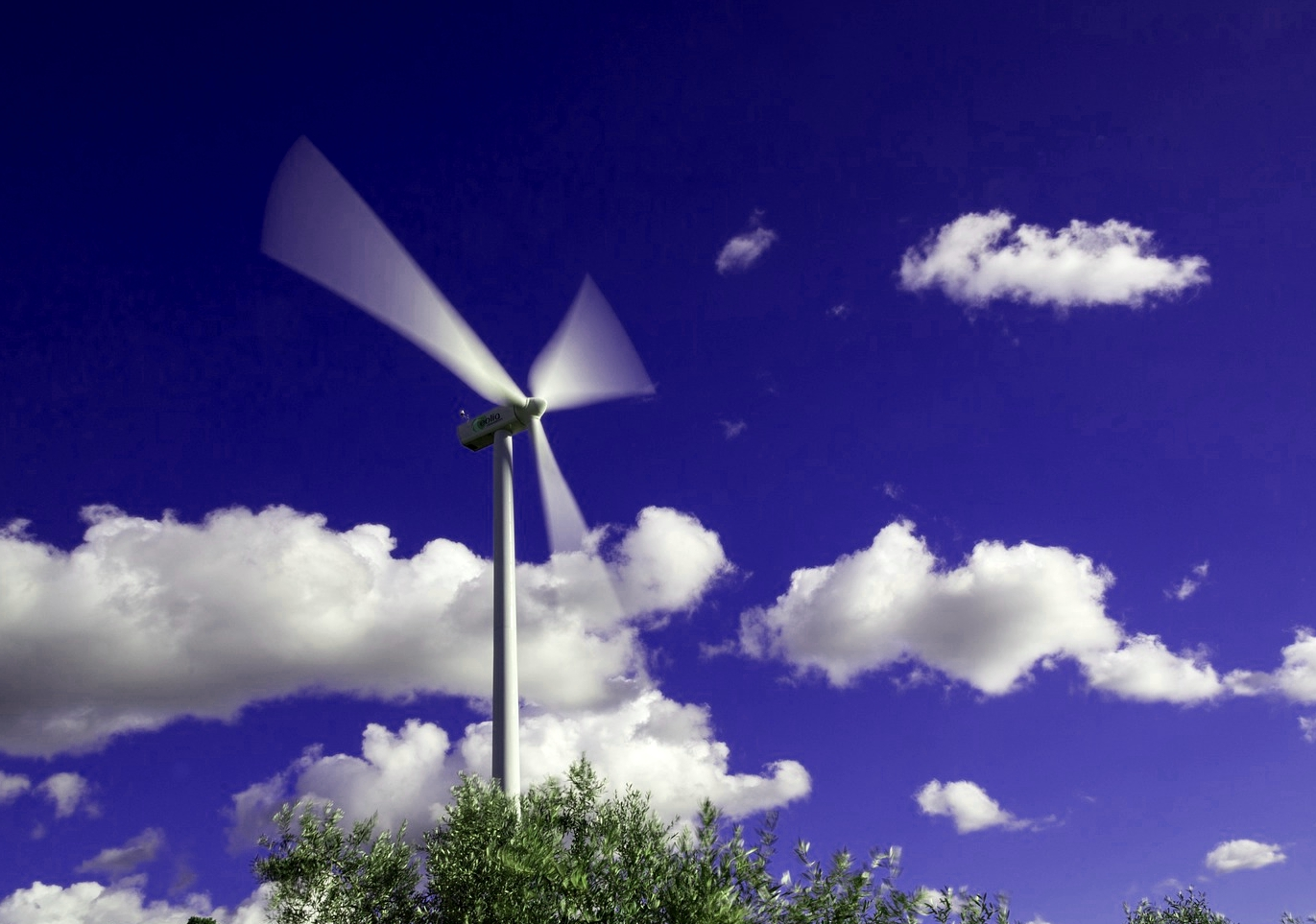 Electrical generating wind turbine - Pixabay