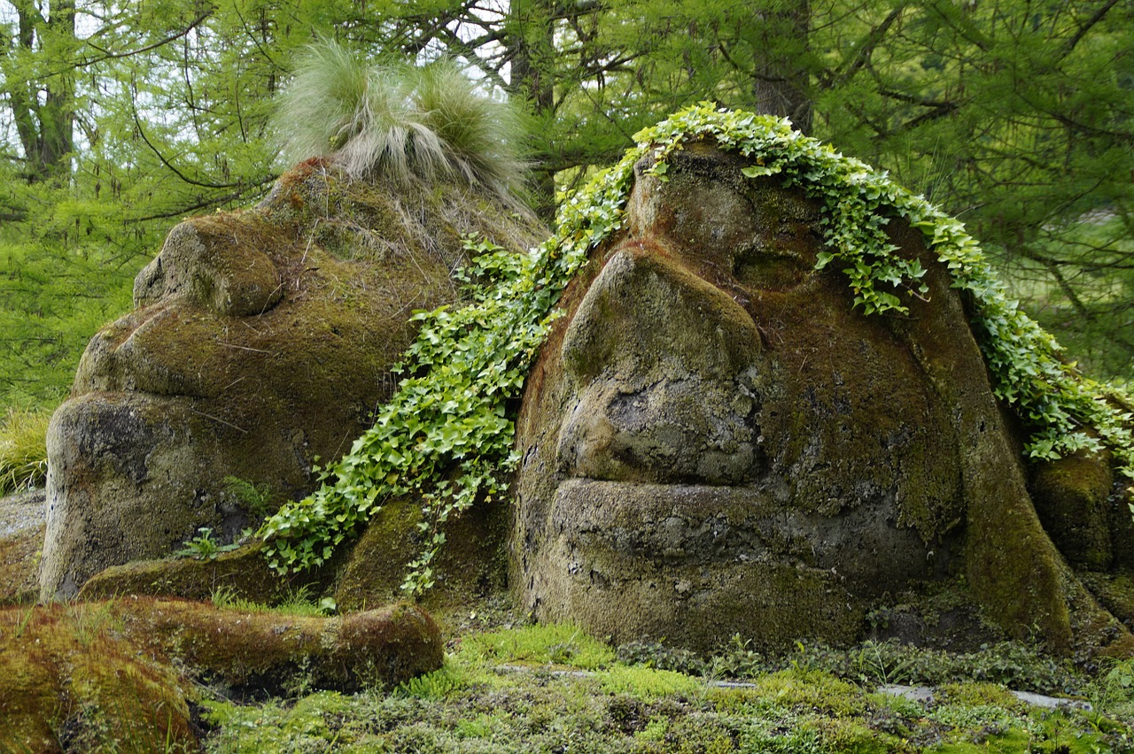 Was Gods face, before his creation, still a face of sorts, or not?