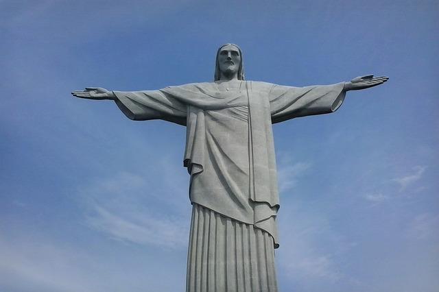 https://pixabay.com/en/christ-the-redeemer-rio-de-janeiro-2447923/
