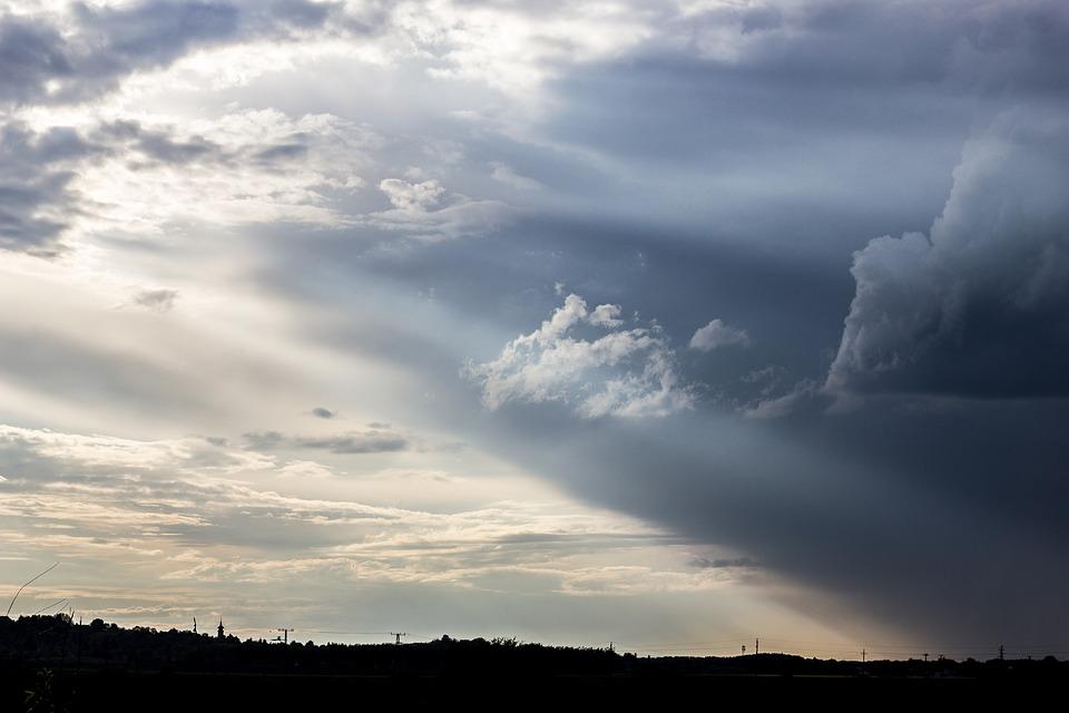 https://pixabay.com/en/overcast-storm-cloud-sky-sunset-2387711/