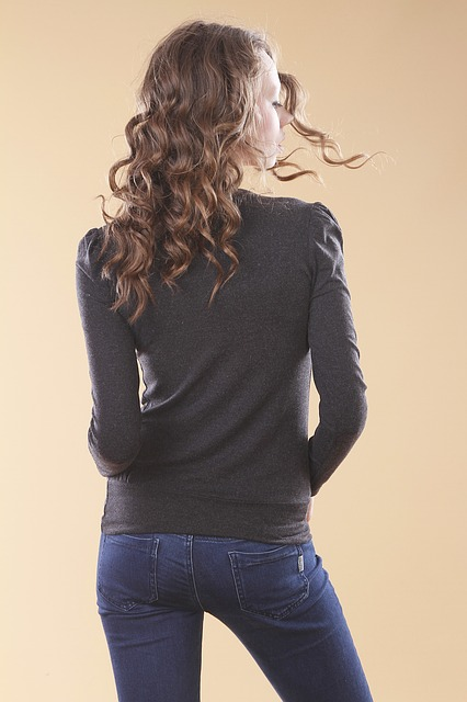 https://pixabay.com/en/model-girl-fashion-shoot-women-s-2453246/