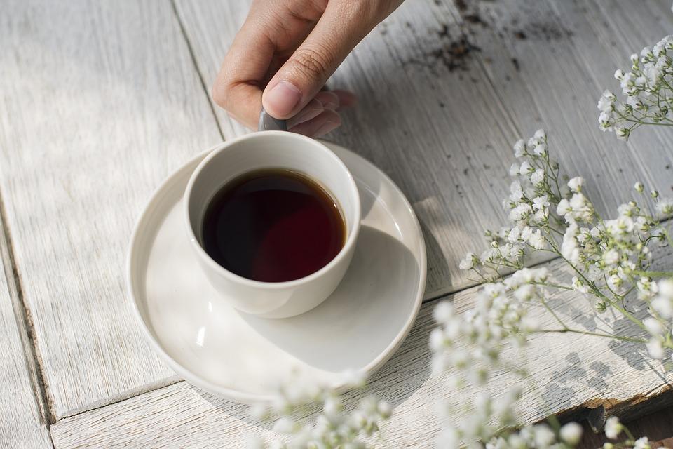 https://pixabay.com/en/drink-cup-table-dawn-coffee-3227730/