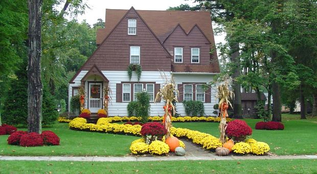 Photo of cottage from morguefile.com