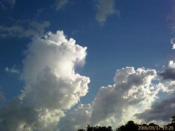 clouds  - don't you think it is better then the clouds shown on windows desktop