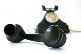 Phone - Bkack phone off the hook