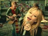 "hilary duff - screenshot of hilary duff in the music video ""why not"""