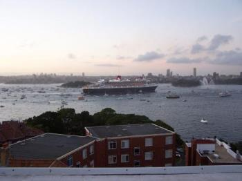 Queen Mary Cruiser - The Queen Mary coming into Sydney Harbour