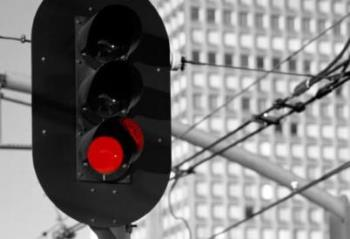 red traffic signal - When red traffic signal is lighted up in my family's health and they need an organ from me, I think I would donate it to help them recover.