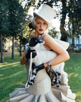 Gwen Stefani L.A.M.B. - Gwen Stefani in a photo shoot for her album Love Angel Music Baby.