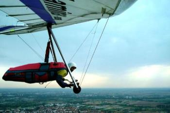 Hang gliding - Extreme sports