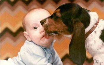 Baby gets a kiss - Here's a big kiss for ya