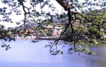 Kandy's lake - ^__^