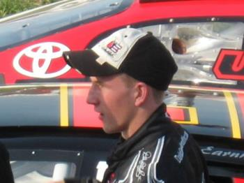 Jeffery Earnhardt - Waiting for more fans for the autographs