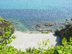 looe beach - the nicest beach in the world, if you can get to it