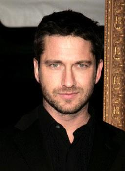 Gerard Butler - Look at those sexy eyes with that dark hair! my my...