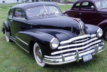 Iamge of a vintage Pontiac car - photo of a pontiac car