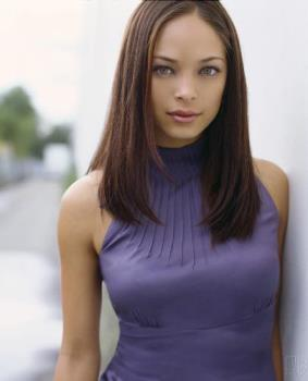 Kristin Kreuk - Kristin Kreuk stars as Lana Lang on Smallville