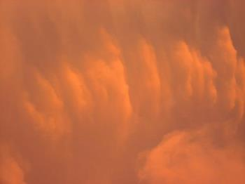 oRANGE cLOUDS - aNOTHER GREAT ORANGE GLOWING CLOUD FORMATION