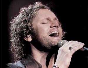 David Phelps - Curly hair