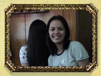 background: me as sadako eeeekkk!! - a pic taken by my bro..me at background as sadako with my cousin..eeeekkkk! wehehe