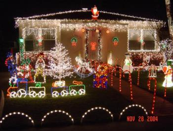 Christmas Lights - One of the best Christmas light displays in 2004
