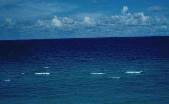 Ocean scene at Miami Beach - image of the ocean