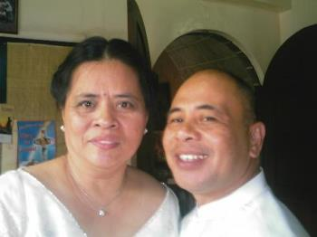 nanay and tatay - this was taken last March 2006 during manoy's wedding