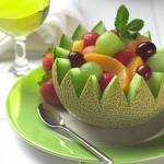 fruit salad - Fresh fruit salad on a hot day is always very refreshing