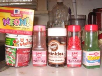 Cake Toppings - Many types of sugary toppings