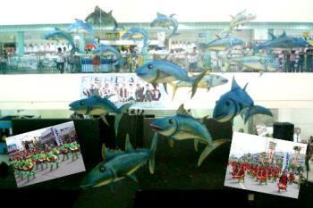 festivals - Tuna festival and Kalilangan Gensan Pictures. Seems like tunas were swimming or flying in the mall.