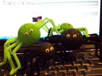 spiders for Halloween - halloween spiders made easy