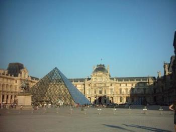 Paris-Louvre - Louvre in Paris , France