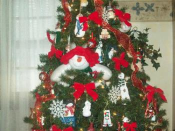 My snowman tree! - My snowman decorated Christmas tree