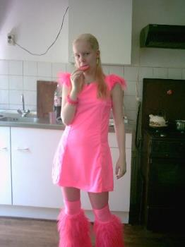 Think pink - Me in my cybergothic (party) wear