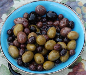 Assorted olives - Plates full of assorted olives