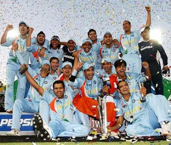All the best team india - team india with the trophy
