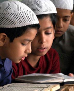 Muslims in India - Muslim children studying Koran